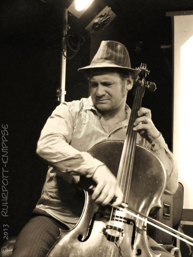 ruhrpottknipse cellist